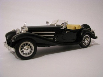 picture of a black toy car