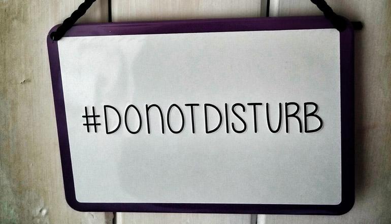 do not disturb sign hangin on the door